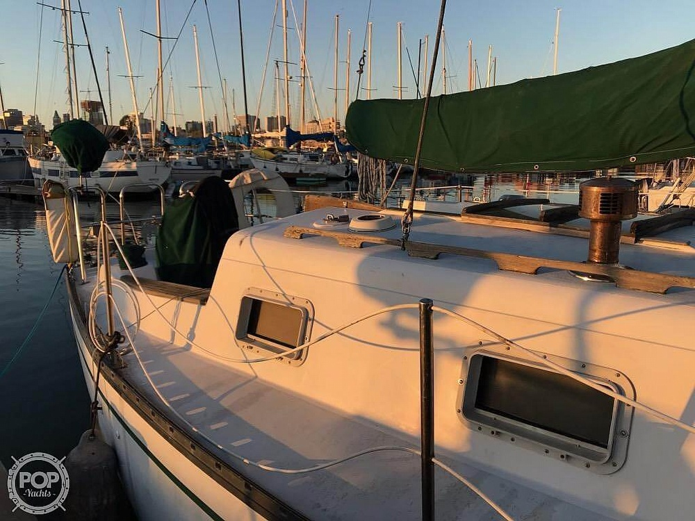1979 Hunter boat for sale, model of the boat is 33 & Image # 2 of 40