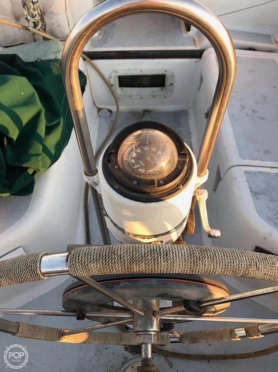1979 Hunter boat for sale, model of the boat is 33 & Image # 3 of 40