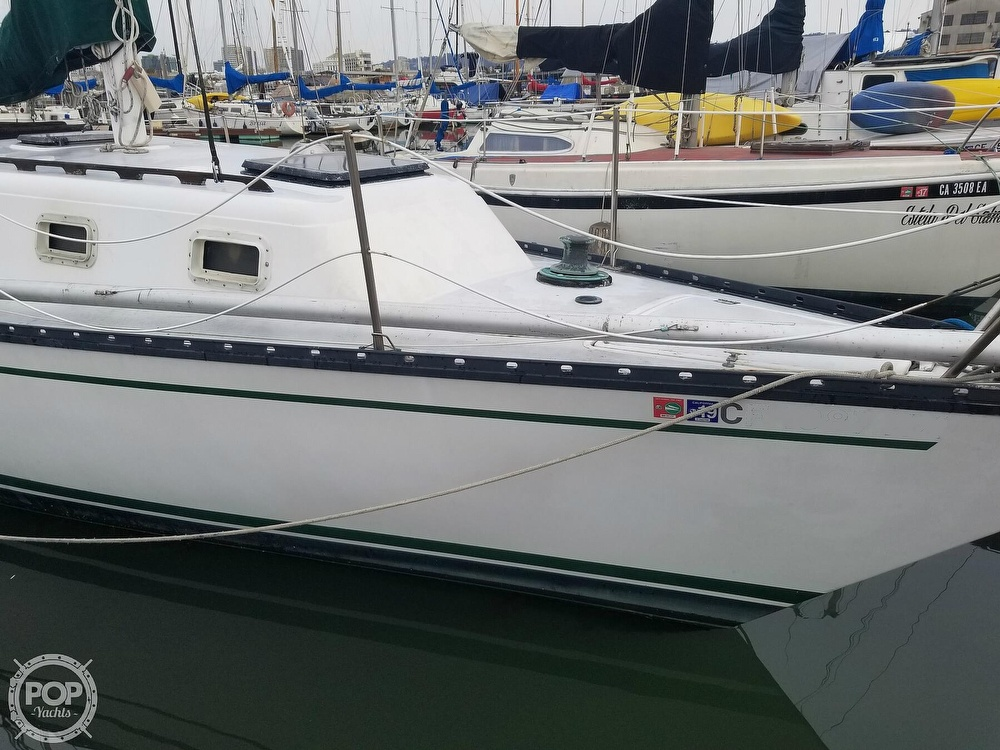 1979 Hunter boat for sale, model of the boat is 33 & Image # 10 of 40