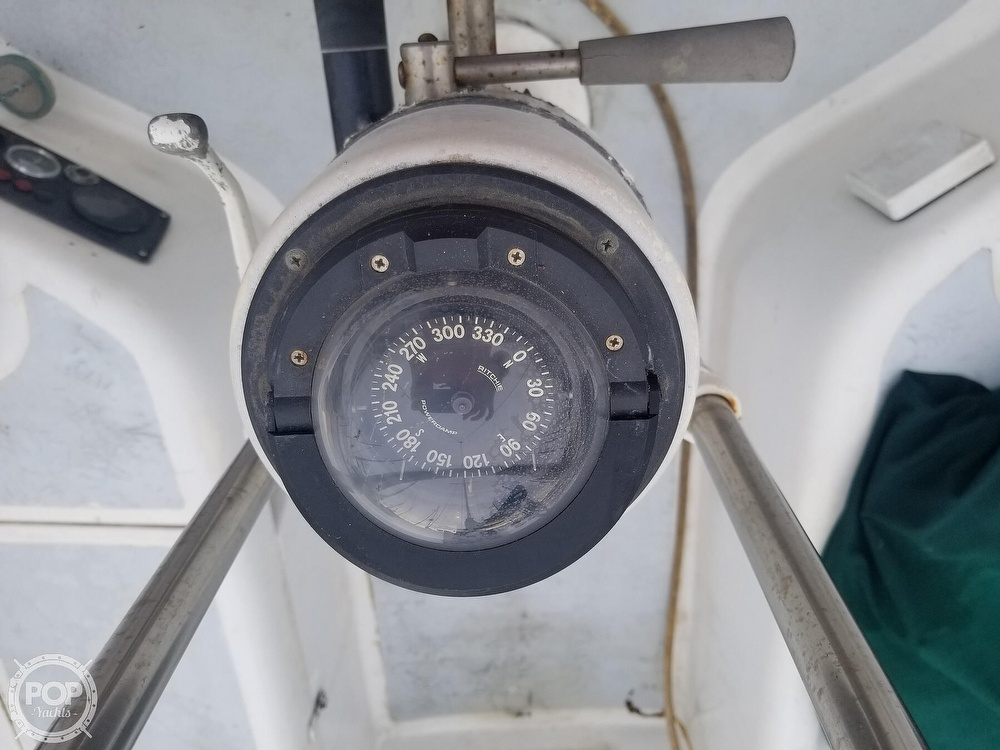 1979 Hunter boat for sale, model of the boat is 33 & Image # 23 of 40