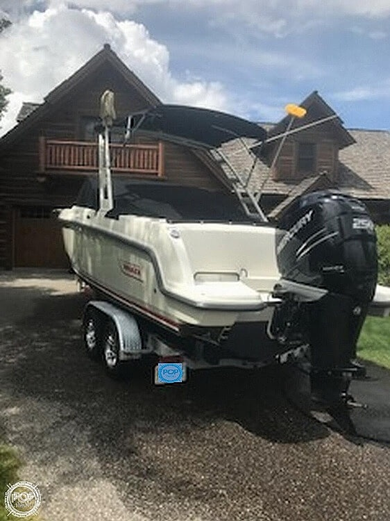 2016 Boston Whaler boat for sale, model of the boat is 230 Vantage & Image # 2 of 26