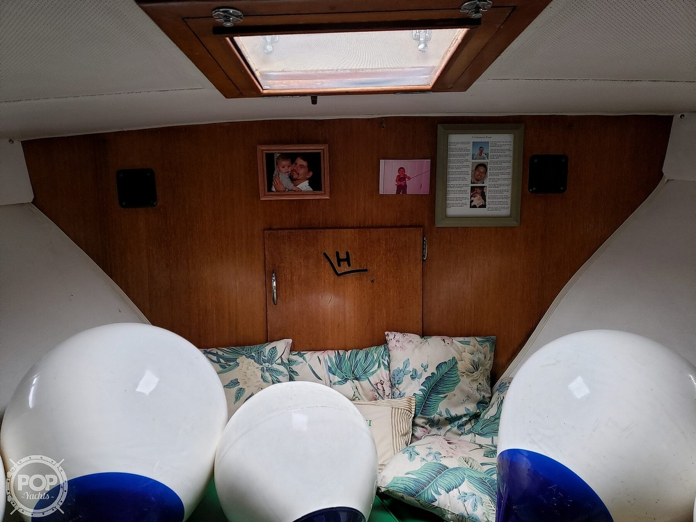 1967 Hatteras boat for sale, model of the boat is 34 Convertible & Image # 37 of 40