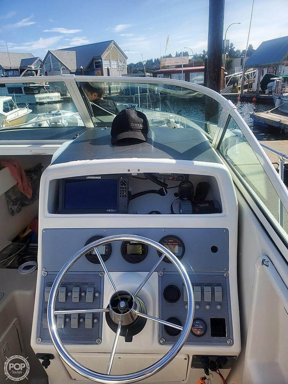 1999 Pro-Line boat for sale, model of the boat is 251 Walkaround & Image # 2 of 4