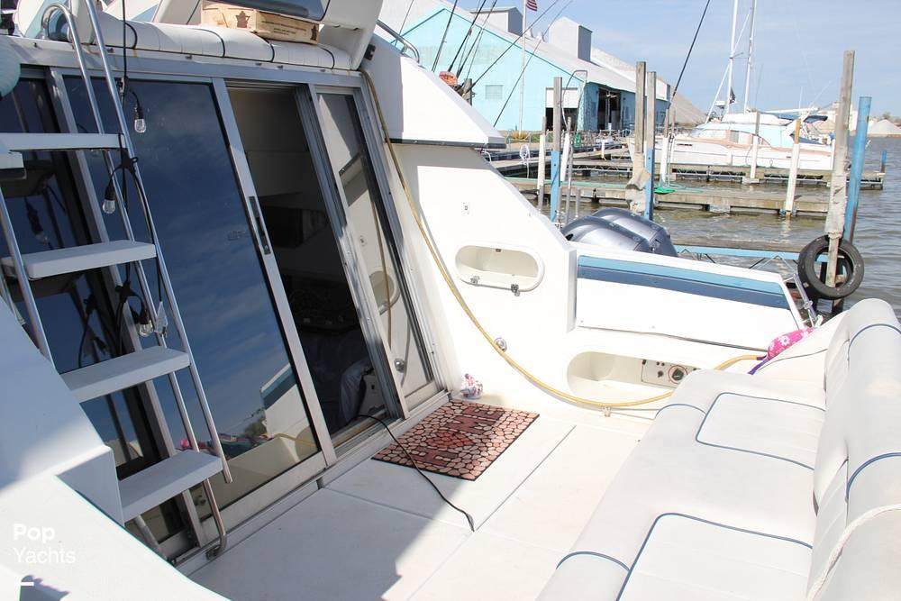 1989 Carver boat for sale, model of the boat is 3067 Santego & Image # 2 of 40