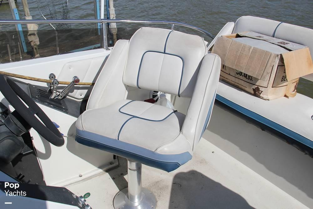 1989 Carver boat for sale, model of the boat is 3067 Santego & Image # 6 of 40