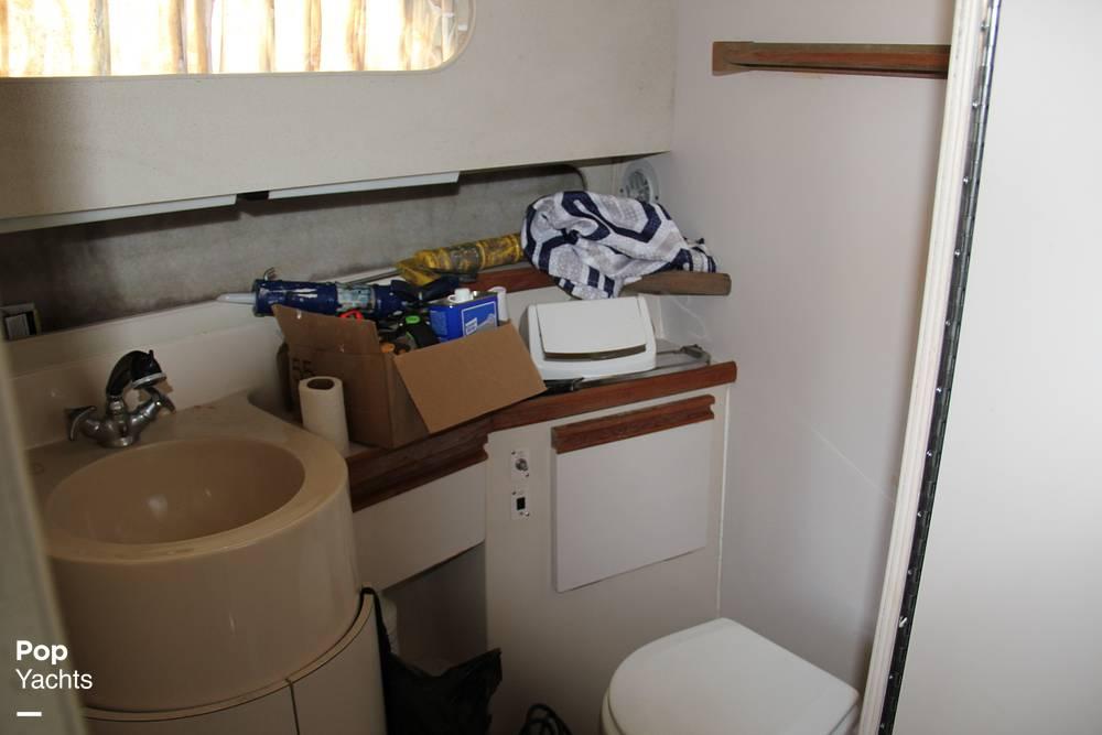 1989 Carver boat for sale, model of the boat is 3067 Santego & Image # 23 of 40