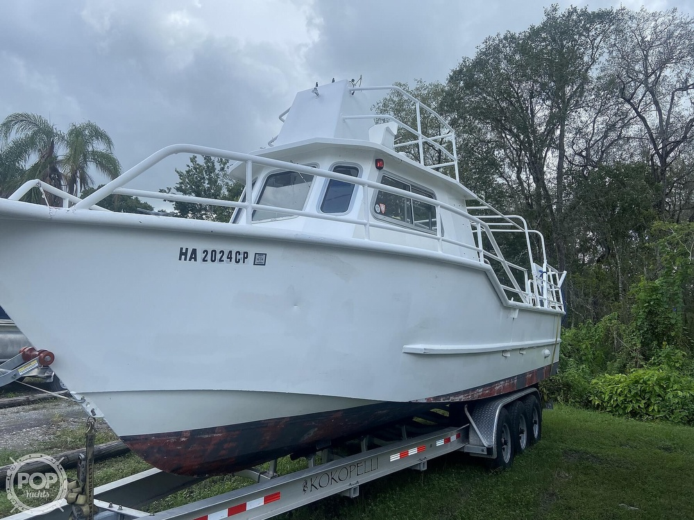 1986 Munson boat for sale, model of the boat is 32 & Image # 13 of 40