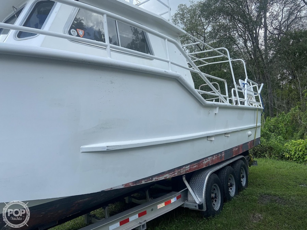 1986 Munson boat for sale, model of the boat is 32 & Image # 15 of 40