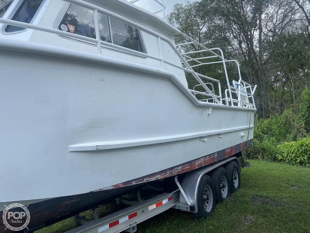1986 Munson boat for sale, model of the boat is 32 & Image # 17 of 40