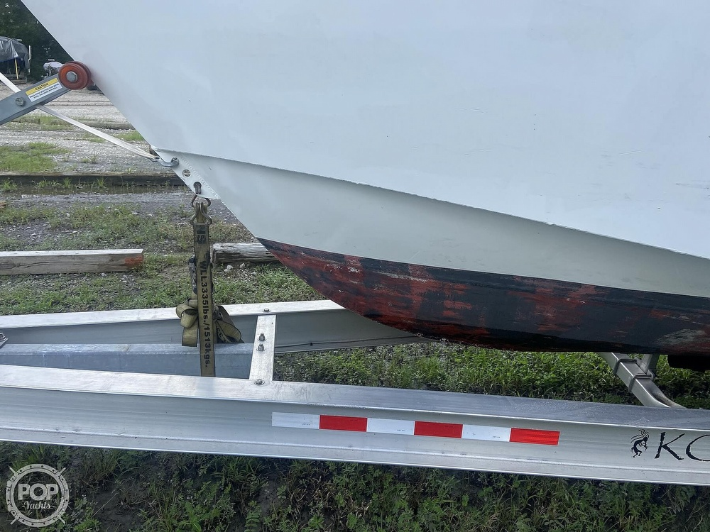 1986 Munson boat for sale, model of the boat is 32 & Image # 20 of 40