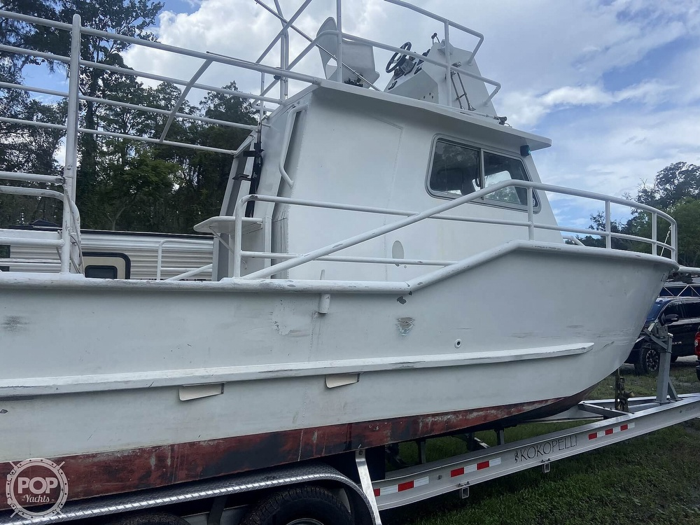 1986 Munson boat for sale, model of the boat is 32 & Image # 39 of 40