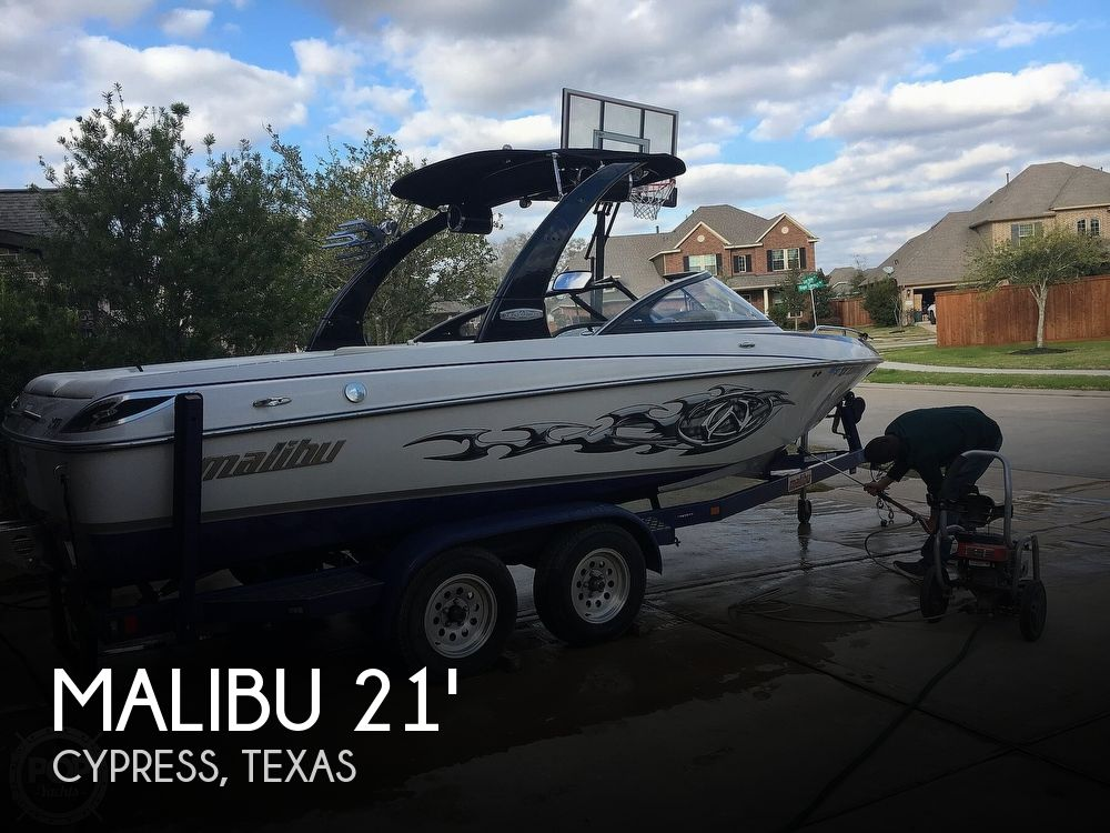 2007 Malibu boat for sale, model of the boat is Wakesetter 21 XTi & Image # 1 of 41