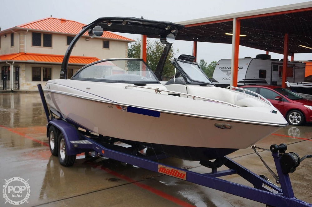 2007 Malibu boat for sale, model of the boat is Wakesetter 21 XTi & Image # 12 of 41