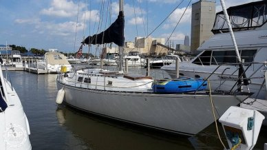 Capital Yachts Newport 41S, 41', for sale - $26,650