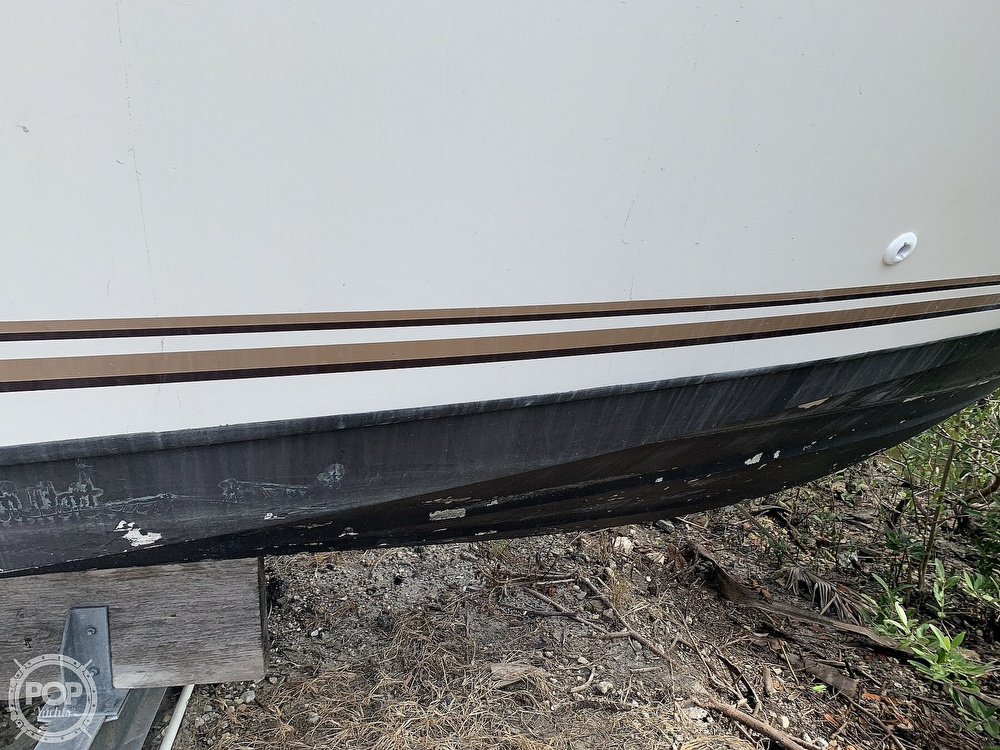 1995 Cruisers Yachts boat for sale, model of the boat is Rogue 3070 & Image # 5 of 41