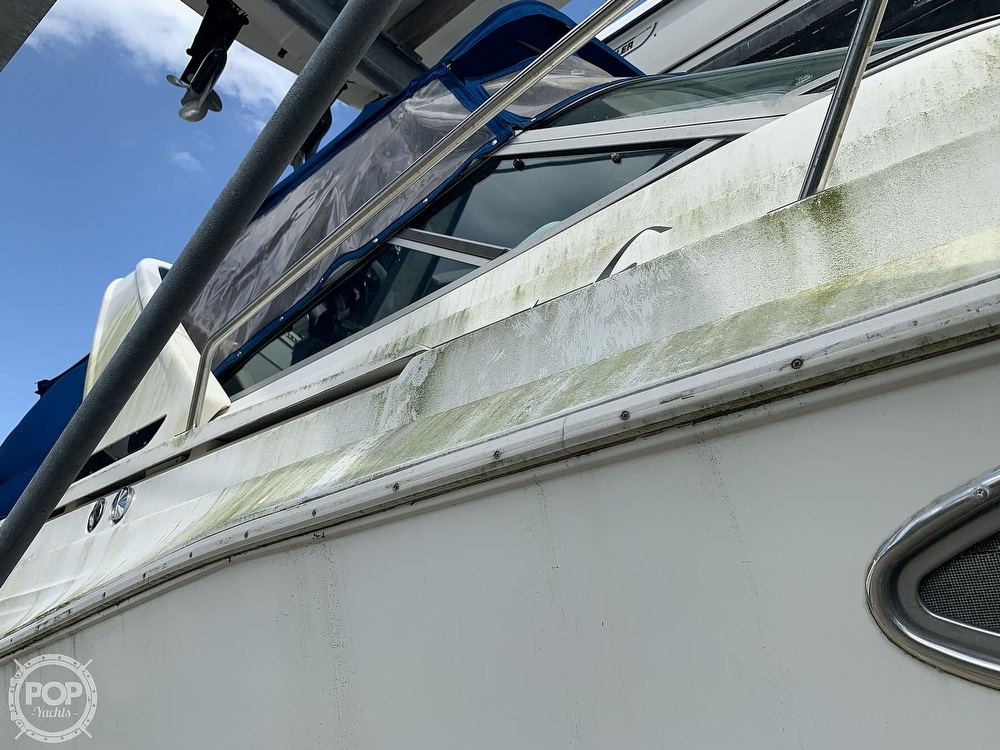 1995 Cruisers Yachts boat for sale, model of the boat is Rogue 3070 & Image # 7 of 41