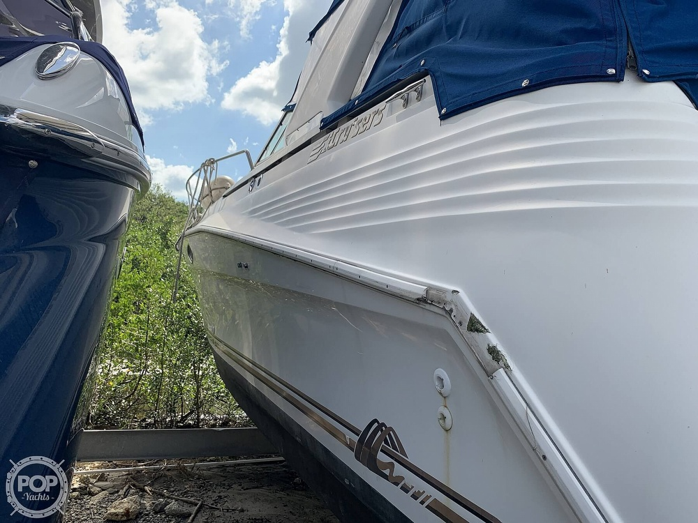 1995 Cruisers Yachts boat for sale, model of the boat is Rogue 3070 & Image # 15 of 41