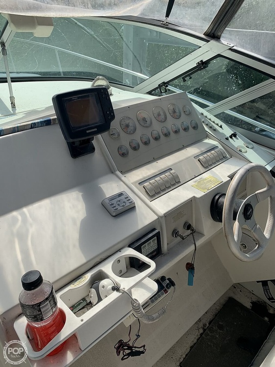1995 Cruisers Yachts boat for sale, model of the boat is Rogue 3070 & Image # 31 of 41