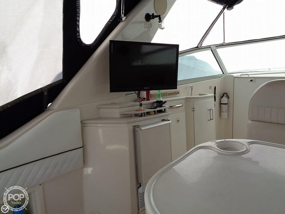 2004 Monterey boat for sale, model of the boat is 322 & Image # 30 of 41