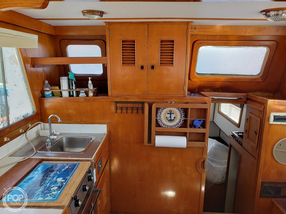 1978 Marine Trader boat for sale, model of the boat is 34 DC & Image # 31 of 40