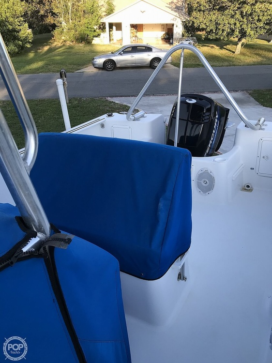 1999 Pro-Line boat for sale, model of the boat is 200 Center Console & Image # 3 of 41