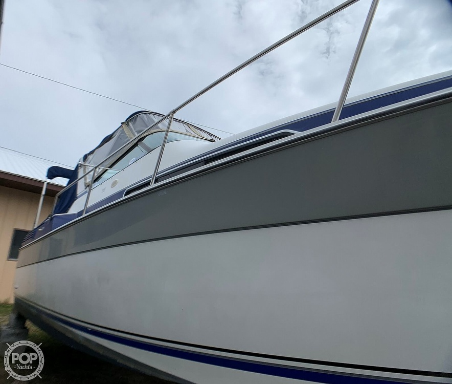 1991 Four Winns boat for sale, model of the boat is Vista 315 & Image # 4 of 40