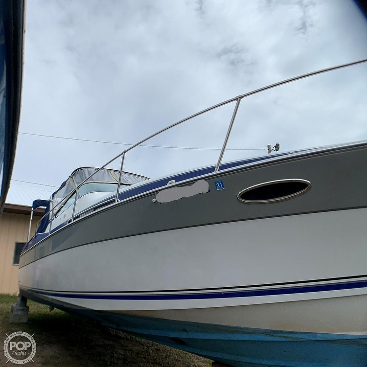 1991 Four Winns boat for sale, model of the boat is Vista 315 & Image # 5 of 40