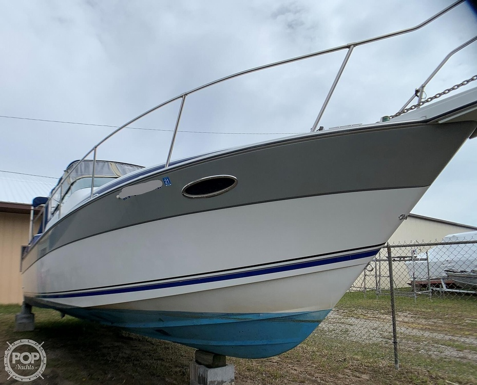 1991 Four Winns boat for sale, model of the boat is Vista 315 & Image # 6 of 40