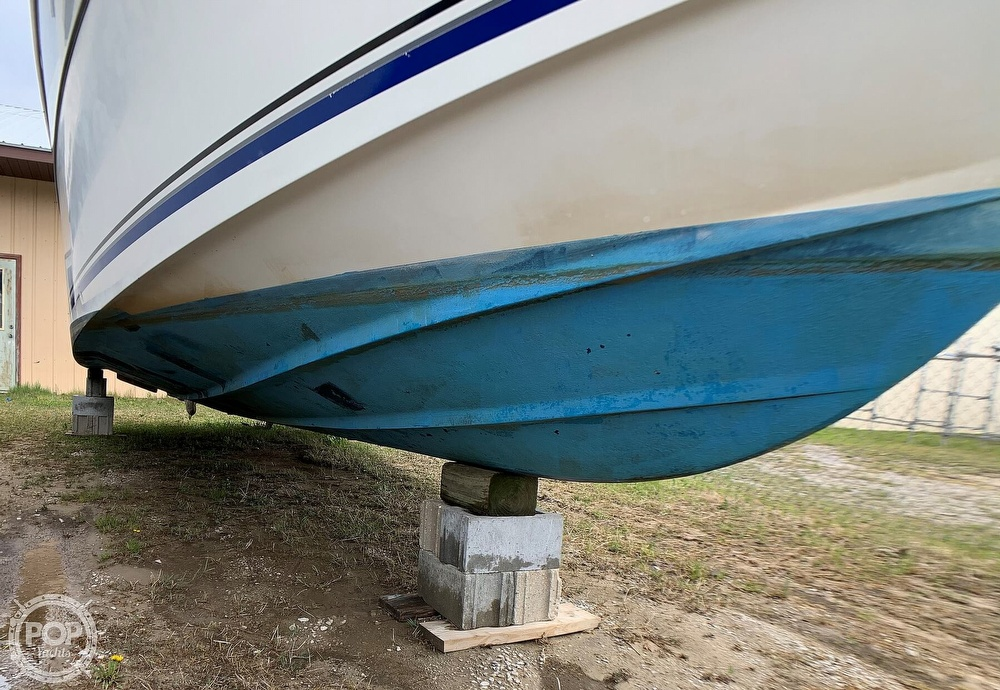 1991 Four Winns boat for sale, model of the boat is Vista 315 & Image # 9 of 40