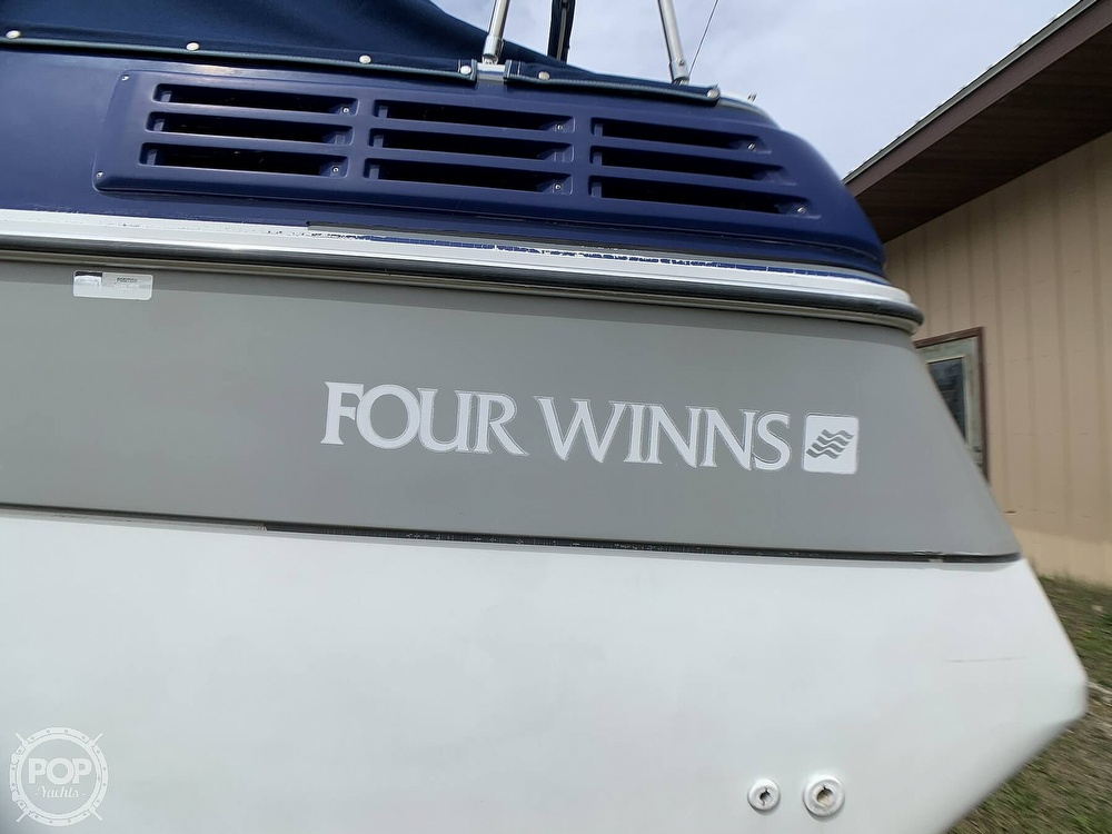 1991 Four Winns boat for sale, model of the boat is Vista 315 & Image # 21 of 40