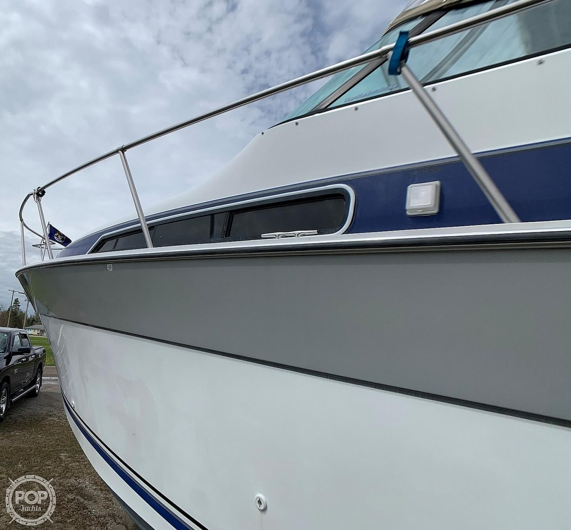 1991 Four Winns boat for sale, model of the boat is Vista 315 & Image # 20 of 40