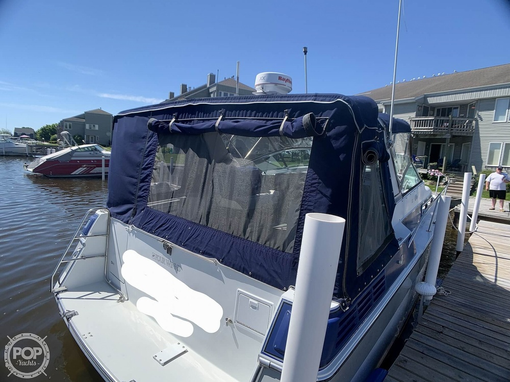 1991 Four Winns boat for sale, model of the boat is Vista 315 & Image # 2 of 40