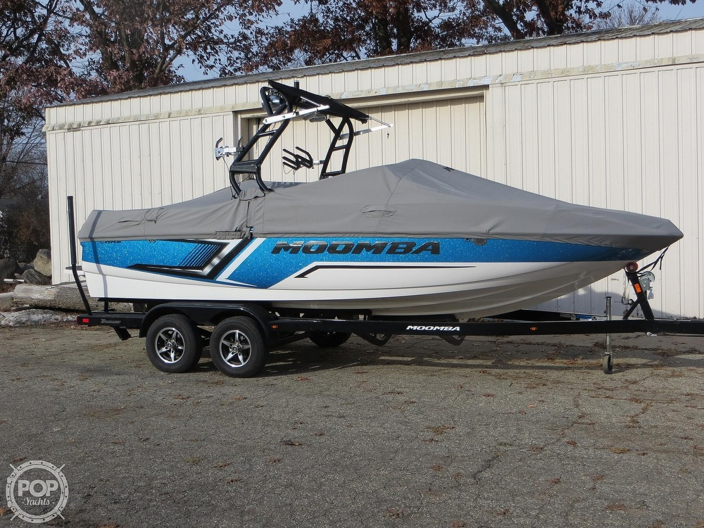 2017 Moomba boat for sale, model of the boat is Craz Surf & Image # 12 of 40