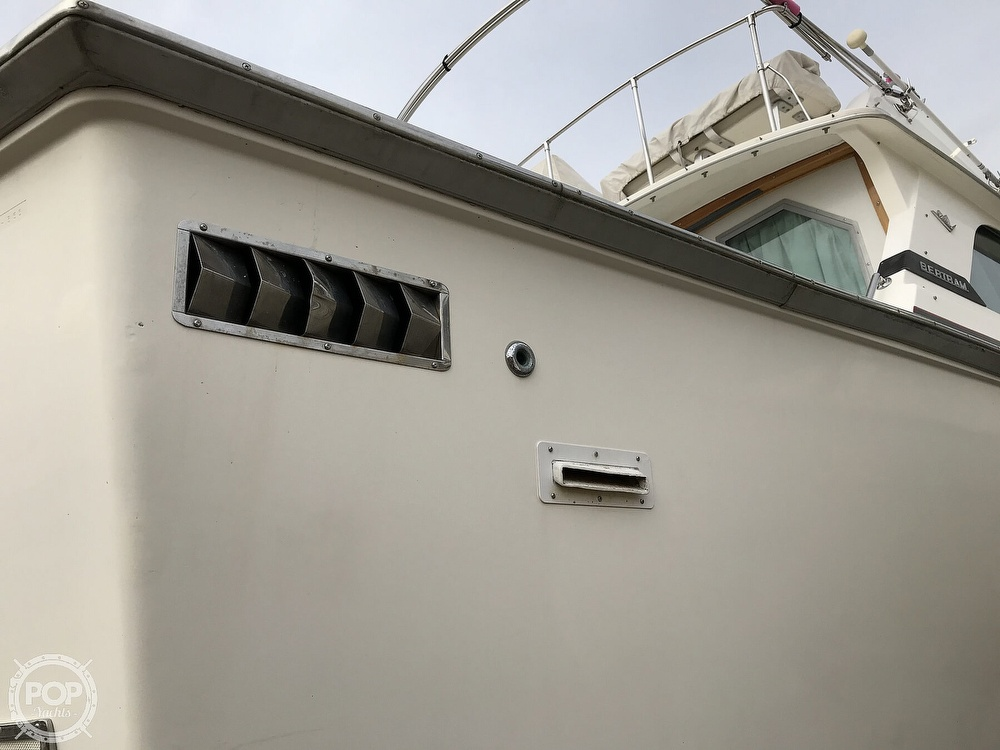 1979 Bertram boat for sale, model of the boat is 35 Convertible & Image # 24 of 40