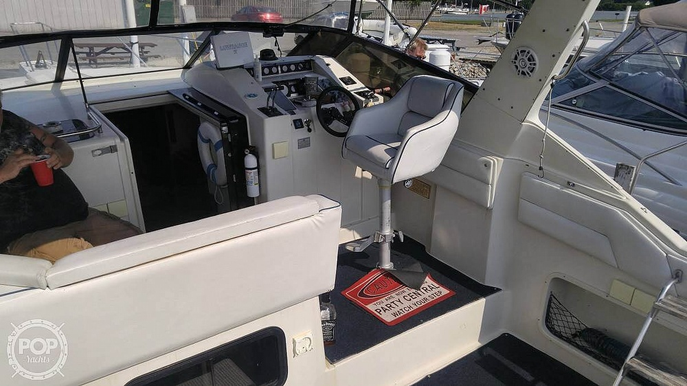 1988 Silverton boat for sale, model of the boat is 34X & Image # 3 of 8