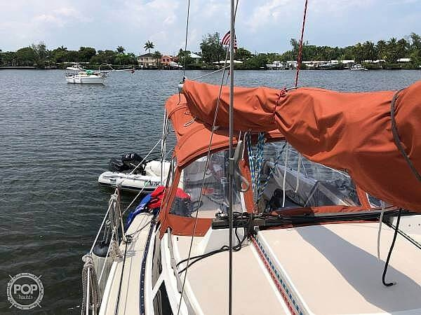 1987 Catalina Yachts boat for sale, model of the boat is 30 MK II & Image # 9 of 40