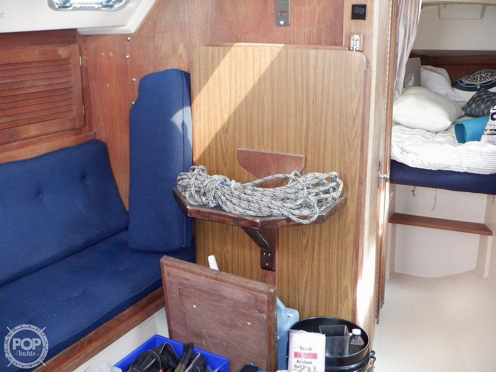 1987 Catalina Yachts boat for sale, model of the boat is 30 MK II & Image # 26 of 40