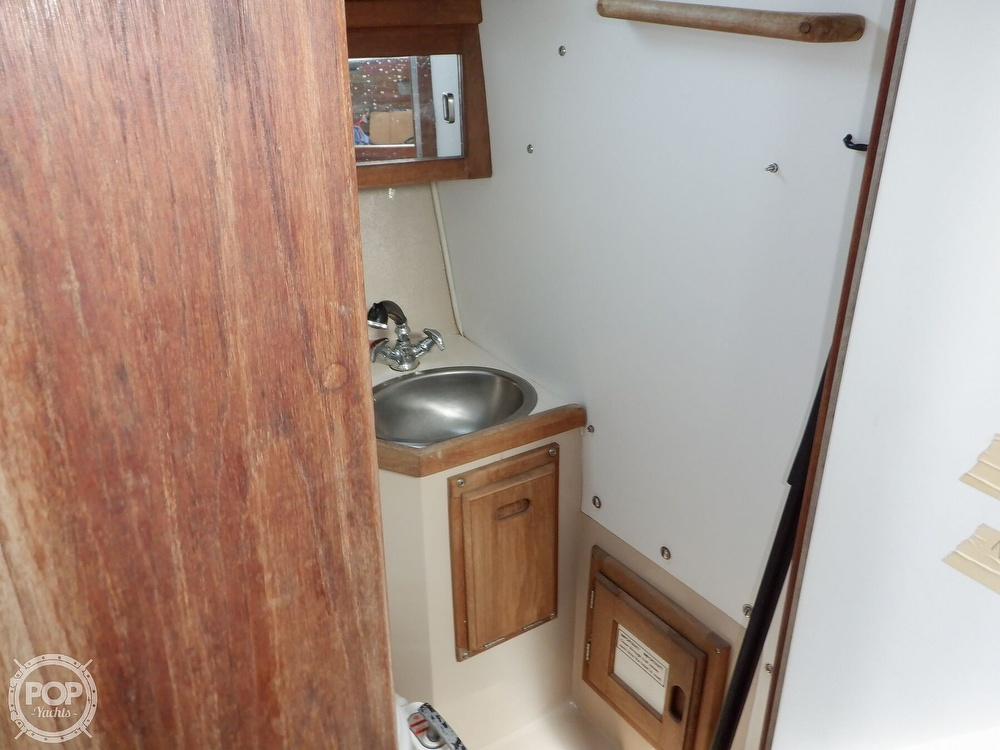 1987 Catalina Yachts boat for sale, model of the boat is 30 MK II & Image # 16 of 40