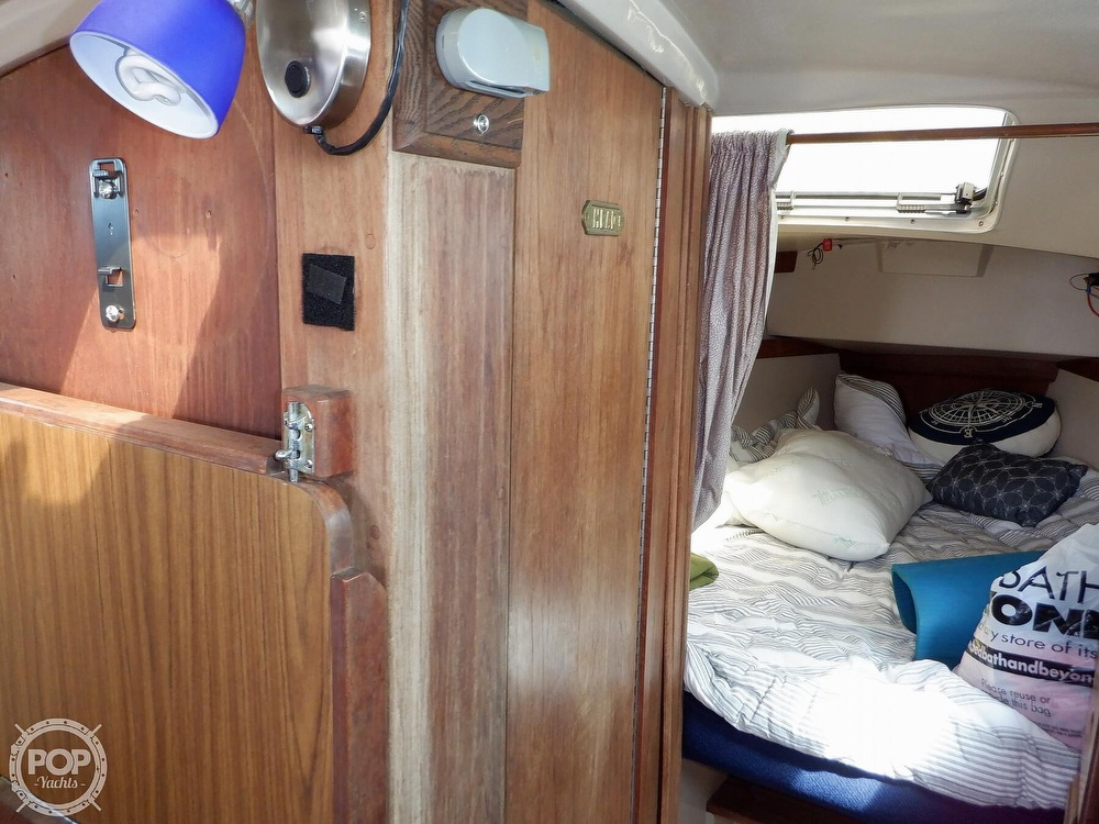 1987 Catalina Yachts boat for sale, model of the boat is 30 MK II & Image # 15 of 40