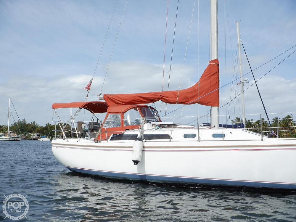 1987 Catalina Yachts boat for sale, model of the boat is 30 MK II & Image # 8 of 40