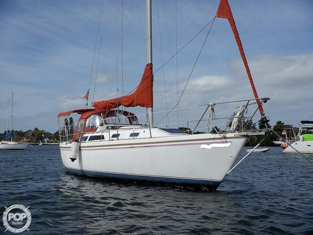 1987 Catalina Yachts boat for sale, model of the boat is 30 MK II & Image # 2 of 40