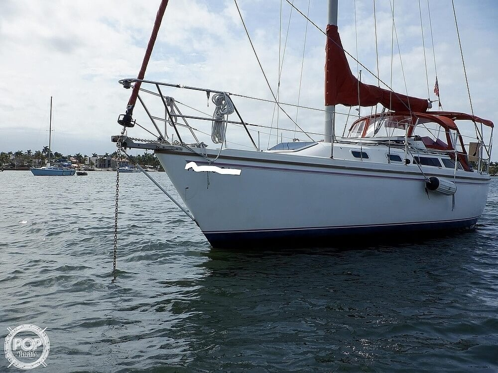 1987 Catalina Yachts boat for sale, model of the boat is 30 MK II & Image # 3 of 40