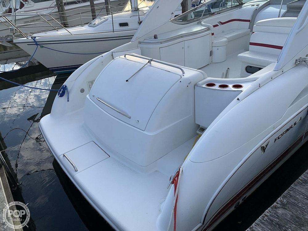 2001 Formula boat for sale, model of the boat is 400SS & Image # 11 of 40