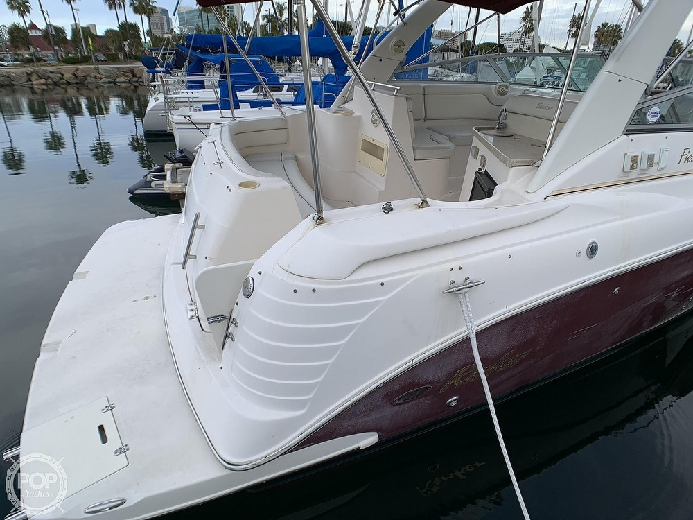 2005 Rinker boat for sale, model of the boat is Fiesta Vee 300 & Image # 36 of 40