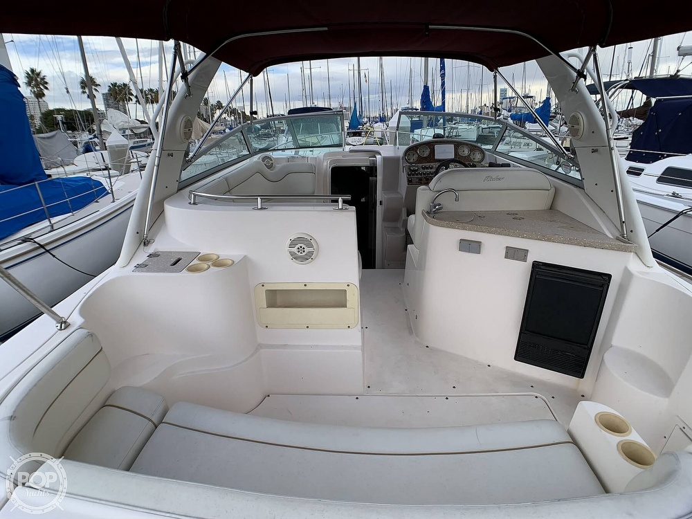 2005 Rinker boat for sale, model of the boat is Fiesta Vee 300 & Image # 24 of 40