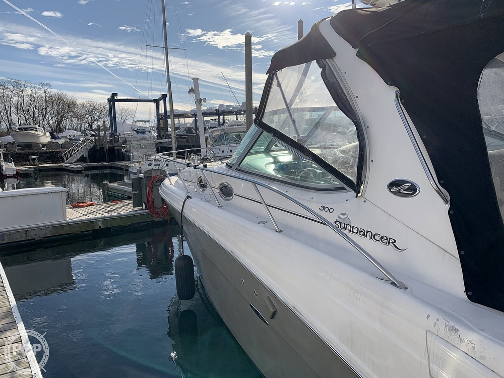 2006 Sea Ray boat for sale, model of the boat is 300 Sundancer & Image # 36 of 40