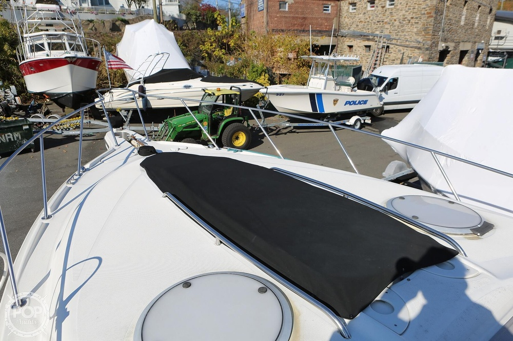 2000 Maxum boat for sale, model of the boat is 3300 SCR & Image # 20 of 40