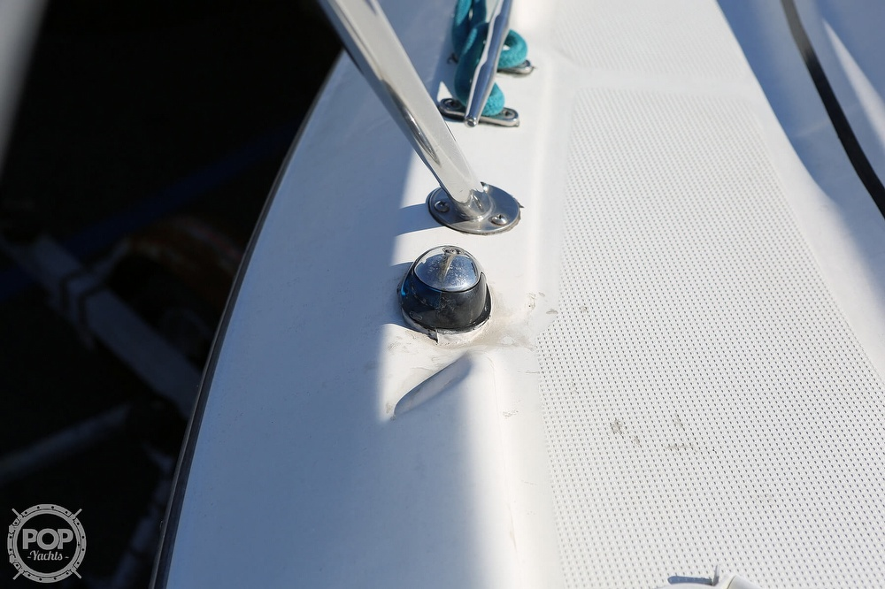 2000 Maxum boat for sale, model of the boat is 3300 SCR & Image # 37 of 40