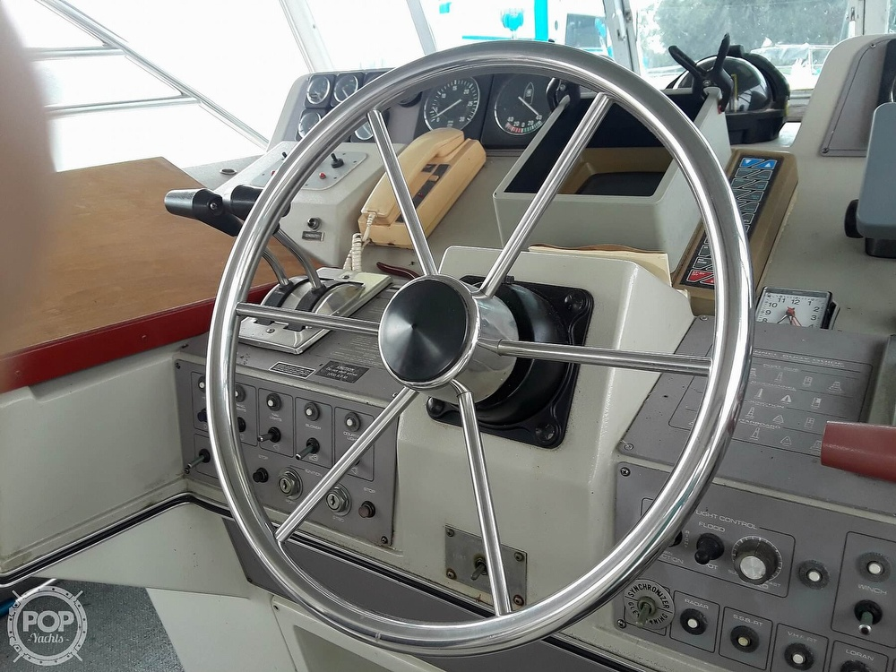 1989 Cruisers Yachts boat for sale, model of the boat is 4280 Express Bridge & Image # 9 of 40