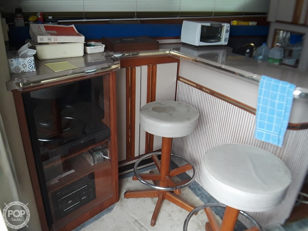 1989 Cruisers Yachts boat for sale, model of the boat is 4280 Express Bridge & Image # 13 of 40